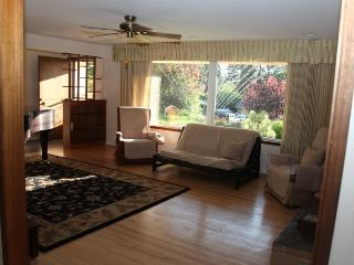 Beautiful 3 Bedroom Ranch House with Grand Piano - Lake Stevens vacation rentals