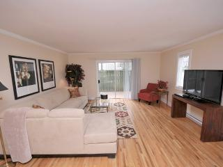 Renovated Large 2 Bedroom Suite Near Downtown - Victoria vacation rentals