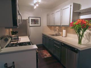 Walk to Shands, VA, Vet School, and UF Campus - Melrose vacation rentals