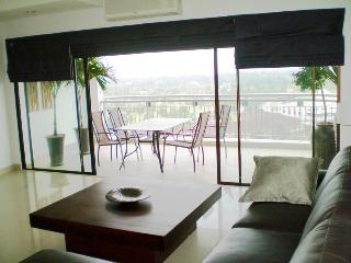 CRYSTAL BAY GOLF RESORT  PANYA  SRIRACHA THAILAND - Bangsaen vacation rentals