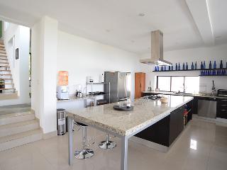 Kokopelli : Casa de Lujo para renta en Cuernavaca - San Jose Vista Hermosa vacation rentals