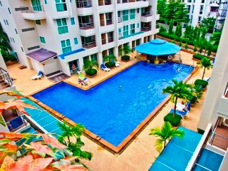 Poolside Charming Studio apartment in Patong beach - Patong vacation rentals