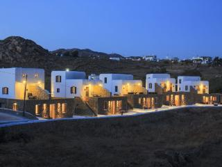 Gound floor suite at Agia Anna, Paraga - Kastro vacation rentals