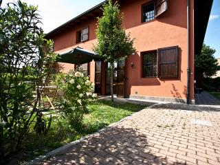MICHELANGELO – Own Park & Parking, WiFi - Bologna vacation rentals
