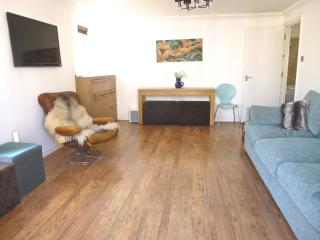 Bright Seaview Balcony appt 1 min to beach - East Sussex vacation rentals