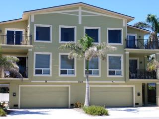 Anna Maria Island Beach Palace Jan. (Special Deal) - Bradenton Beach vacation rentals