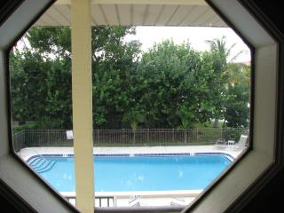 Beautiful Fully Furnished Naples Condo 2bd 2bath, - Naples vacation rentals