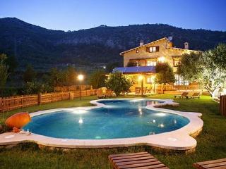 La Ginesta es una partición de la antigua  Masía de Mas Rossell, con fecha del siglo XVIII. - Vilanova i la Geltru vacation rentals