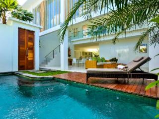Luxury modern 3 bedroom villa Seminyak, Bali - Bali vacation rentals