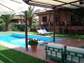 Beautiful House in a Park close to Tiber - Rome vacation rentals