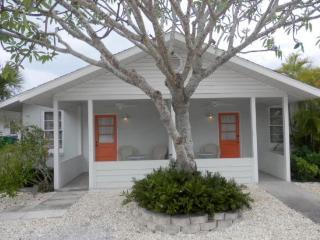 A Puff Away West- 114 Magnolia Ave West, Anna Maria - Anna Maria vacation rentals