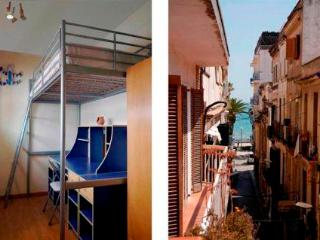 Bobe, in the centre of Sitges, with balcony and airco. - Segur de Calafell vacation rentals