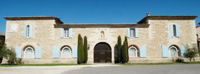 The Saint Albergaty Monastery, Luxurious, Pet-Friendly 6 Bedroom Villa - Image 1 - Althen-des-Paluds - rentals