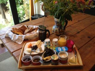 B&B in Yvelines, have a Pause Zen - Hermeray vacation rentals