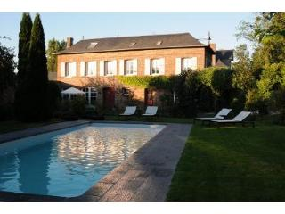 Lovely House with outdoor heated swimming pool Col - Eure vacation rentals