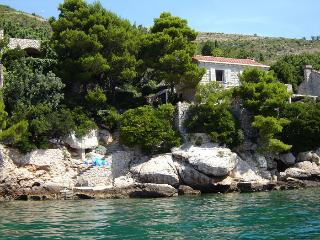 Lozica, apartment. for 2 persons, private beach - Dubrovnik-Neretva County vacation rentals