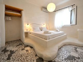 Two Bedroom Suite in Pollonia! - Plaka vacation rentals