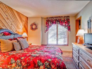 RT121 - Avon vacation rentals