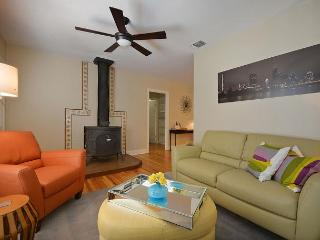 2BR/2BA Great Central Location Minutes from UT - Austin vacation rentals