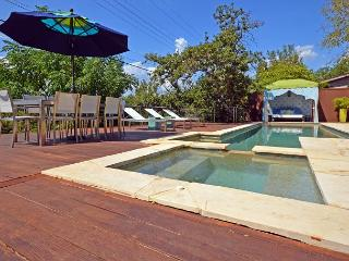 3BR/2BA Great SXSW Location- Modern Home With Hot Tub and Heated Pool! - Austin vacation rentals