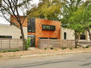 4BD/3.5New unbelievable architect designed home East 4th close to everything! - Austin vacation rentals