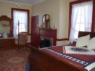 James Manning House B&B - Wayne Room - Lakewood vacation rentals