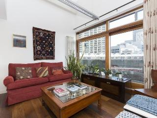 Frobisher Crescent - London vacation rentals