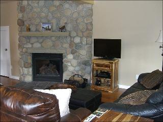 Newly Remodeled & Inviting Townhouse - Incredible Views of Mt. Crested Butte (1377) - Southwest Colorado vacation rentals
