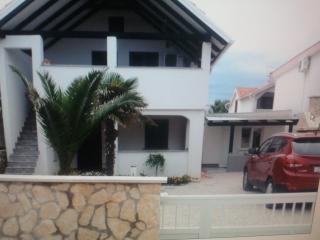 Apartmani Irena  -Vir 4+2 - Privlaka vacation rentals
