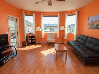 Open & Elegant, Safe, Pool, Wi-Fi, Elevator, Gym! - Phoenix vacation rentals