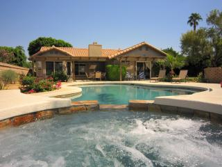S/W facing PRIVATE POOL & SPA w/mountain views - La Quinta vacation rentals