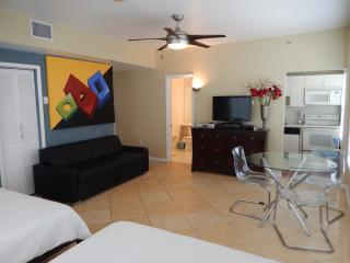 918 OCEAN DRIVE SUPERIOR DOUBLE QUEEN STUDIO - Miami Beach vacation rentals