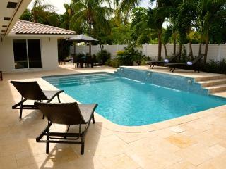 Casa Carina Spectacular 5 Star 4 Bd 4.5 Ba Heated Pool Steps To Private Beach! - Pompano Beach vacation rentals