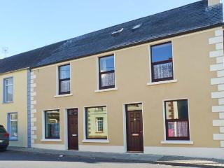Church View, family-friendly, en-suite bathrooms in Kilmihil Ref. 30208 - County Clare vacation rentals