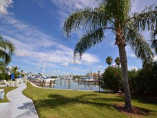 Madeira Beach Yacht Club 151C - Ground floor & a quick walk to the beach! - Madeira Beach vacation rentals