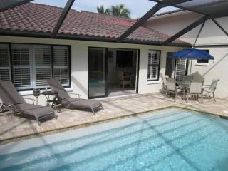 Stylish villa with swimming pool close to beaches. - Bonita Springs vacation rentals