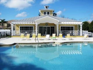 Luxurious Condo, gated community, close to beaches - Fort Myers vacation rentals