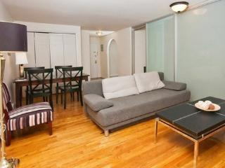 Classic and Tranquil Apartment in Midtown West ~ RA42882 - Weehawken vacation rentals