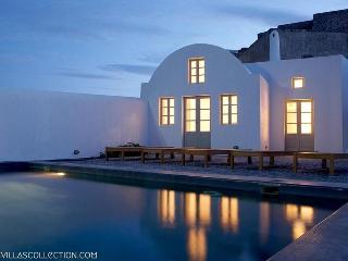 Fabrica - Minimal design villa in Santorini - Santorini vacation rentals