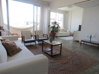 Apartment Barra, Salvador, Bahia, Brazil (150 mts from the beach) - Cabaceiras do Paraguacu vacation rentals