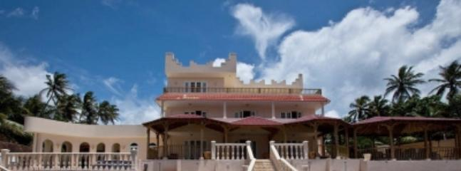 Welcome to Villa Rosa! - Beachfront home perfect for vacation w/fam - Arecibo - rentals