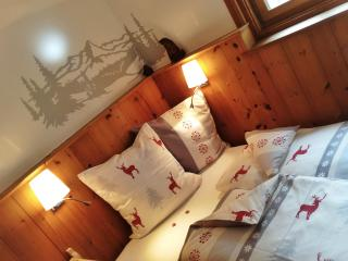 Pinewood room in Engadine House - Guarda vacation rentals