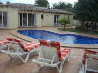 Villa Jasmines, situated in a quiet area of Calpe - Sella vacation rentals