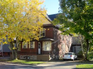 Great Gorge Guesthouse - 10 Minute Walk to Falls - Youngstown vacation rentals