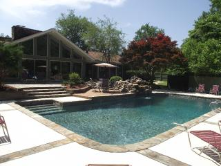 Estate 166 - 15 Min. from airport w/pool & tennis - Whitesburg vacation rentals