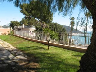 your romantic garden in front of the sea - San Lorenzo al Mare vacation rentals