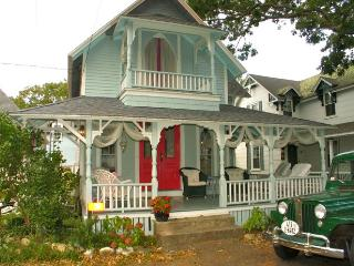 Gingerbread Cottage In The Heart Of Oak Bluffs (Gingerbread-Cottage-In-The-Heart-Of-Oak-Bluffs-OB505) - Martha's Vineyard vacation rentals