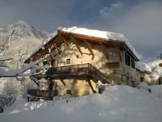 Cozy House in Serre-Chevalier Ski Resort - Le Monetier-les-Bains vacation rentals