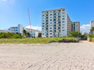 PRISTINE RENOVATED OCEANFRONT APARTMENT BRAND NEW! - Miami Beach vacation rentals