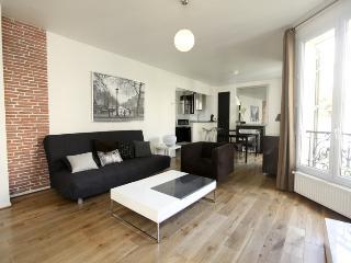 Trendy 2 Bedroom in the Center of Paris - Paris vacation rentals